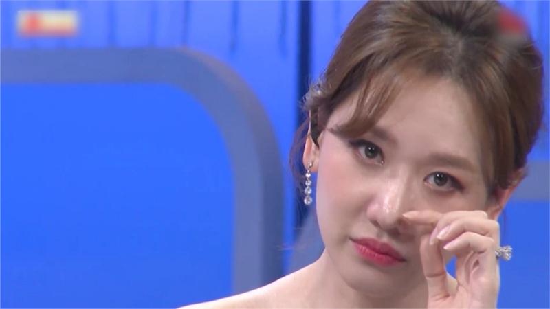 Hari Won rơm rớm nước mắt kể về bệnh ung thư cổ tử cung: 'Tôi tưởng đã hết rồi nhưng...'