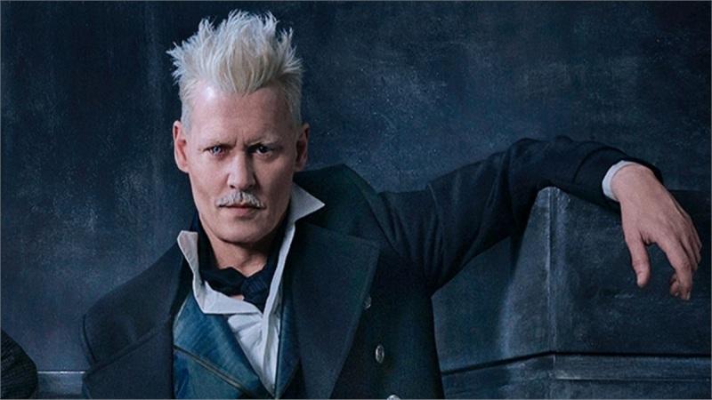 'Fantastic Beasts 3' : Johnny Depp thừa nhận bị yêu cầu rút khỏi dự án.