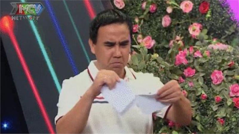 Bạn muốn hẹn hò: Chàng trai mang theo bảng kê khai chi tiêu, đọc xong MC Quyền Linh liền giúp cô gái xé bỏ