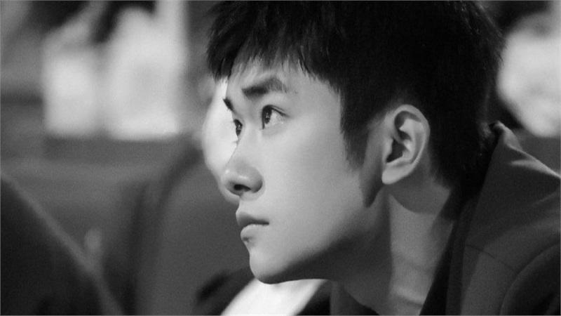 Đạo diễn lớn lên tiếng về tranh cãi giải thưởng tại Kim Tượng của Dịch Dương Thiên Tỉ