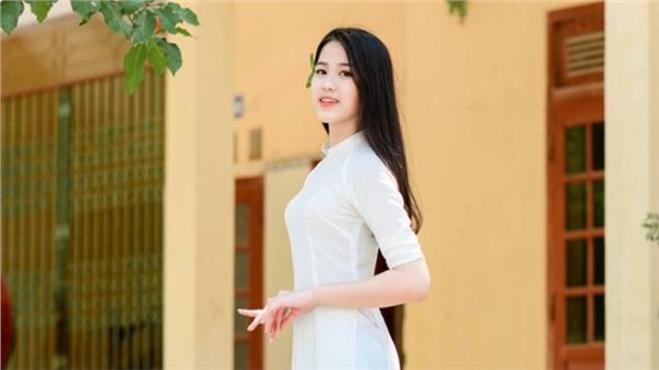Tân Hoa hậu Đỗ Thị Hà đã tự công khai điểm 'thô kệch' trên cơ thể trước khi đăng quang Hoa hậu Việt Nam