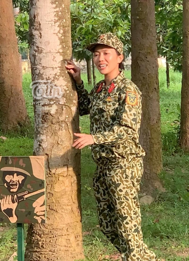 Sao nhập ngũ: Diệu Nhi đang hát thì hết 'mood' - 'Giống bà khùng quá, vừa đi vừa hát giữa rừng' 4