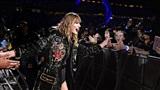 Hoảng sợ trên sân khấu 'Reputation', Taylor Swift bị cho là diễn trò
