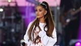 Nhìn lại một năm suy sụp tinh thần của Ariana Grande