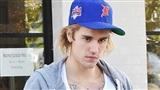 Bạn bè nghĩ Justin Bieber gặp khủng hoảng từ khi kết hôn Hailey Baldwin