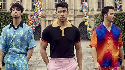 Vừa comeback, anh em nhà Jonas Brothers leo thẳng lên No.1 Billboard