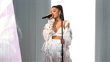 Sweetener Tour có gì thú vị, Ariana Grande sẽ bù đắp cho fans Việt như đã hứa?