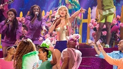 VMAs 2019: Taylor Swift thắng giải Video của năm, mang cả cầu vồng lên sân khấu diễn 'You Need To Calm Down'
