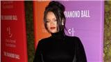 Với động thái này, phải chăng Rihanna ngụ ý cô đang mang thai con gái đầu lòng?