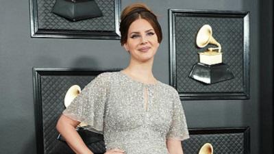 Váy bình dân được Lana Del Rey diện tại Grammy chính thức 'cháy' hàng