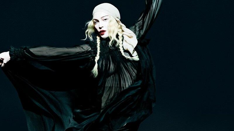 Madonna công bố từng bị nhiễm Covid-19 khi lưu diễn tại Paris