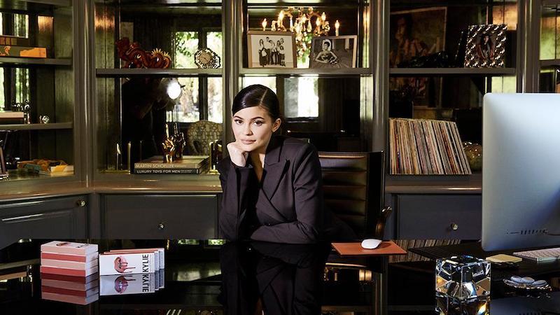 Forbes công bố: Kylie Jenner không còn là tỷ phú, đằng sau danh hiệu cũ là cả 'mạng lưới dối trá'