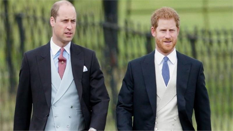 Hoàng tử William chưa nói chuyện với Hoàng tử Harry trong 2 tháng sau khi em trai rút lui khỏi Hoàng gia