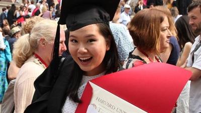 Bài văn nghị luận về chiếc áo ngực giúp nữ sinh gốc Việt trúng tuyển vào ĐH Harvard
