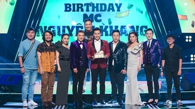 Đàm Vĩnh Hưng, Minh Tuyết mừng sinh nhật Nguyên Khang ở trường quay