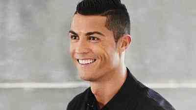 Cristiano Ronaldo biến chuỗi khách sạn cao cấp thành bệnh viện dã chiến, trả mọi chi phí cho bác sĩ chống Covid-19