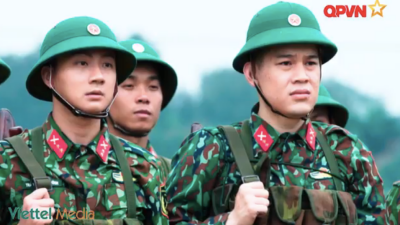 Chuyện ba chàng lính trẻ tập 17: Đừng đùa với súng