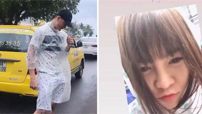 Đi nghỉ dưỡng ở Nha Trang, Văn Lâm và bạn gái tin đồn cùng khoe ảnh mặc áo mưa đôi tình tứ
