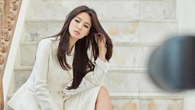 3 tháng sau khi ly hôn Song Joong Ki, Song Hye Kyo mới đăng bức ảnh đầu tiên lên mạng xã hội