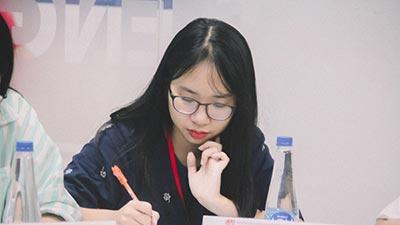 Nữ sinh trường chuyên Phan Bội Châu gây sốt khi tự luyện thi cũng đạt 8.0 IELTS, 800/800 SAT II