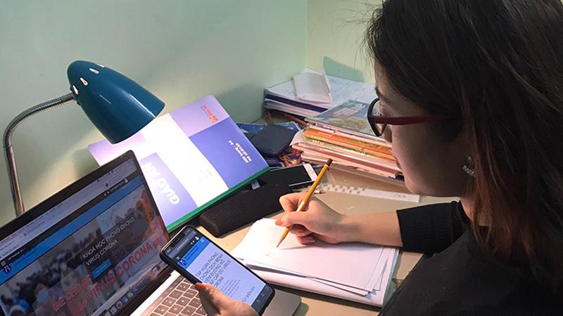 2 trường đại học đầu tiên ở Hà Nội vừa ra thông báo cho sinh viên học online 'tránh bão' Covid-19