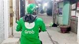 Chàng tài xế Grab 'có tâm' nhất Vịnh Bắc Bộ: Mua băng vệ sinh đến tận nhà cho khách nữ