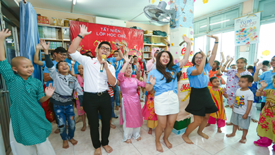 Nguyên Khang tổ chức tất niên cho bệnh nhi ung thư ngày cuối năm