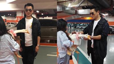 Ngã ngửa trước món quà 'có 1 không 2' mà fangirl trao tận tay Tiêu Kiếm Phong