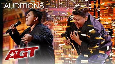 Cậu bé 12 tuổi có giọng hát thiên thần nhận nút vàng cuối cùng của America's Got Talent