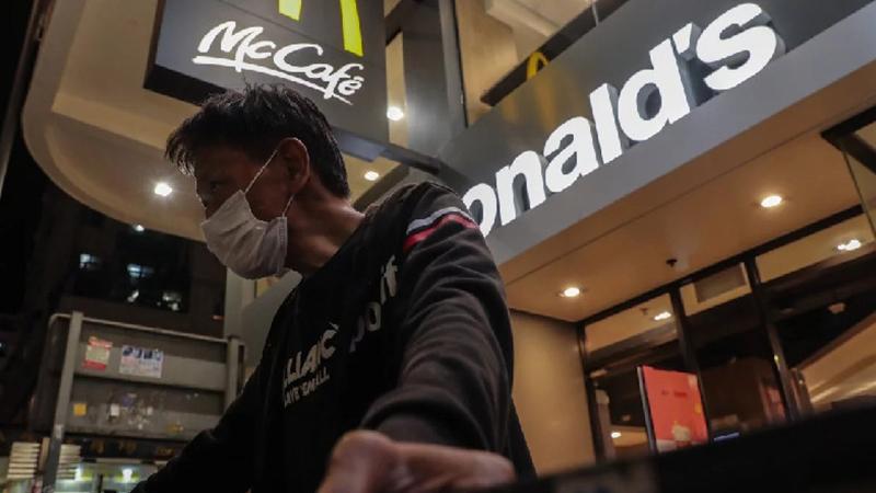 Người vô gia cư Hồng Kong: Thà mắc Covid-19 để có chỗ dung thân