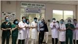 Xuất viện ngay trong đêm: Bệnh nhân người Anh xúc động cảm ơn bác sĩ Việt Nam đã cứu sống mình một cách phi thường
