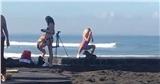 Mặc bikini ở khu vực làm lễ của người dân Bali, hot Instagramer bị chỉ trích nặng nề