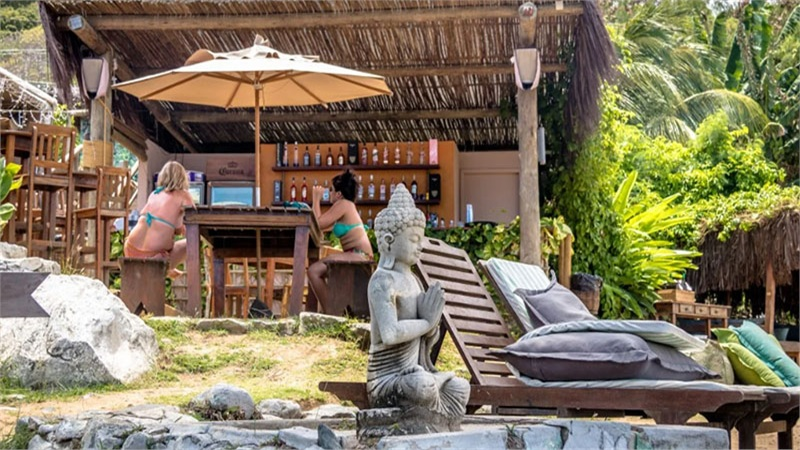 Mở cửa trở lại, hòn đảo thiên đường của Brazil chỉ nhận khách từng bị Covid-19