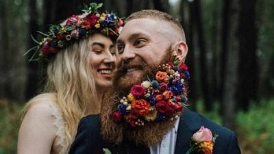 'Râu hoa' trởthành trào lưu trang điểm 'hot hòn họt' cho chú rể phương Tây