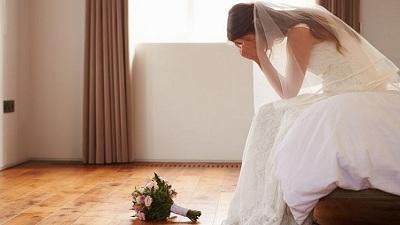 Bà mẹ chồng 'bá đạo' nhất thế giới?: Mặc váy cưới 'giành' spotlight của con dâu trong lễ kết hôn