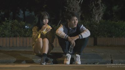 'Ảo tưởng tuổi 17' (tập 11): Bị cắt một loạt hợp đồng quảng cáo, Jack Carry On và Linh Ngọc Đàm phải bán bớt đồ để trang trải