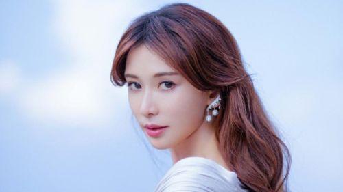 Rộ tin đồn siêu mẫu Đài Loan Lâm Chí Linh bị ung thư cổ tử cung, phải điều trị tại Nhật Bản