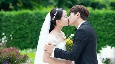 'Sứ mệnh cuối của thiên thần' nhiều lần gây bão trên Naver, đứng đầu các BXH tại Hàn