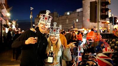 Người dân tưng bừng chuẩn bị cho 'đám cưới thế kỷ' giữa Hoàng tử Harry và Meghan Markle