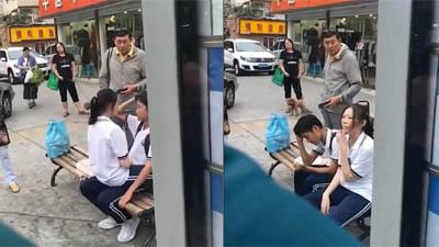 Bị nhắc nhở vì có hành động nhạy cảm nơi công cộng, cặp đôi trẻ lại tỏ thái độ khó chịu khiến dân mạng bức xúc