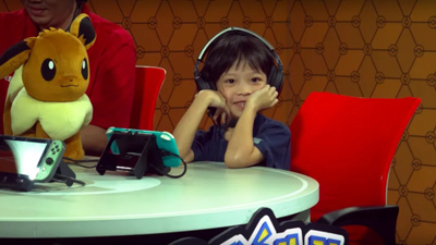 Bé gái 7 tuổi gây ấn tượng mạnh khi giành ngôi vô địch giải Pokemon quốc tế