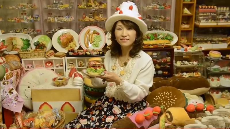 Người phụ nữ sở hữu bộ sưu tập mô hình đồ ăn bằng nhựa lớn nhất thế giới