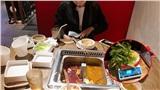 Đi ăn buffet 300k, cô gái 'tức nghẹn họng' vì không được phục vụ thịt cá còn bị phạt 200k tiền không ăn hết rau