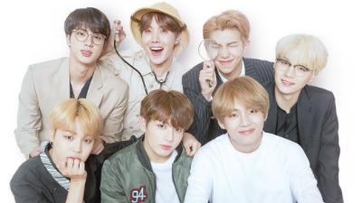 Vượt qua huyền thoại 'Bản tình ca mùa đông', BTS chính thức trở thành nhóm có album OST bán chạy nhất Hàn Quốc