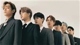 Sau hơn một thập kỉ, BTS là nhóm nhạc duy nhất trên thế giới có 2 ca khúc 'nắm tay nhau' cùng xếp #1 và #2 Billboard Hot 100