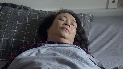 'Nàng dâu order': Không chịu nổi sức ép nợ nần, mẹ Lan Phương uống thuốc tự tử