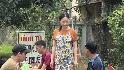 'Nàng dâu order' tập 28: Nhà văn Lam Lam về bán bánh cuốn gom tiền trả nợ
