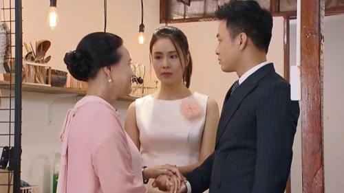 'Hoa hồng trên ngực trái': Cảm động khi bà Hồng nhận Khuê làm con gái và trao cô lại cho Bảo