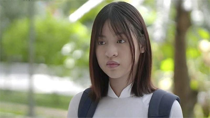 Hot girl 'trứng rán cần mỡ' debut ở 'Trói buộc yêu thương' nhưng chiếc mũi của cô nàng mới là tâm điểm của sự chú ý