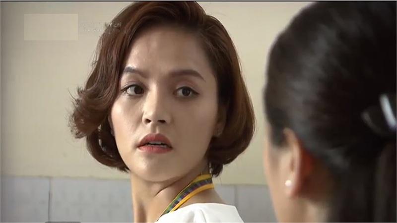 'Lửa ấm' tập 30: Thu Quỳnh bật chế độ thảo mai khiến mẹ con - bà cháu tình địch 'tương tàn'